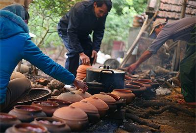 Bếp lửa hồng kho cá