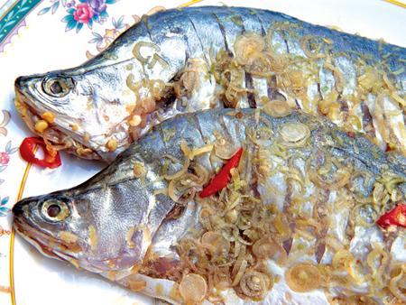 Cá thát lát tẩm sả ớt chiên giòn rất ngon