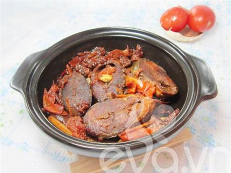 Món cá nục kho riềng ăn ngon với cơm nóng