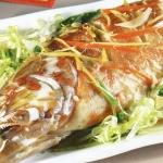 Làm món cá hấp thế nào cho ngon