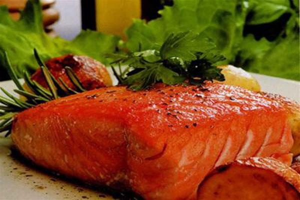 Món cá hồi nướng cam