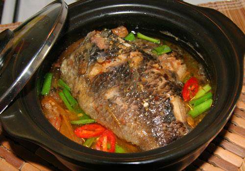 Cá kho thịt ba rọi