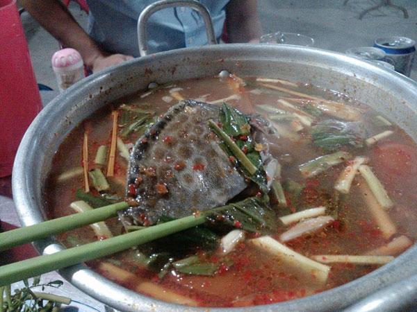 Cá nâu nấu lẩu chua