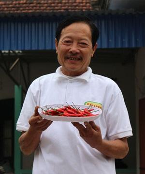 Ông Trần Huy Thân (65 tuổi)
