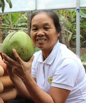Bà Trần Thị Thìn (62 tuổi)