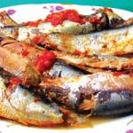 cá trích kho rục, món ngon độc đáo.