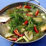 Hướng dẫn làm món canh cá nấu dưa chua ngon