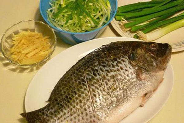 Nguyên liệu cho món cá hấp hành gừng