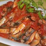 Cách làm món Cá trích kho sinh tố cà chua
