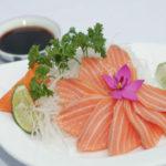 Đổi món cho cả nhà với món gỏi cá hồi ngon tuyệt