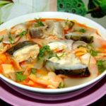 Bí quyết nấu canh chua cá hồi ngon tuyệt