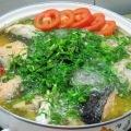 Cá hồi nấu canh chua chế biến đơn giản mà lại thơm ngon và hấp dẫn