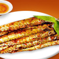 Cá kèo nướng muối ớt cay cay cho ngày lạnh