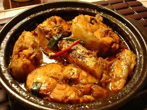 Cá ngừ kho nước dừa thơm ngon, đậm đà