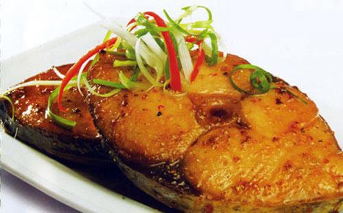Làm món cá ngừ kho cực kỳ đơn giản
