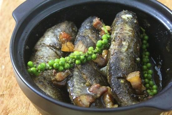Cá rô kho tiêu đậm đà, ấm áp