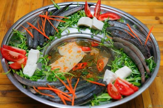 Lẩu cá kèo lá giang nóng hổi cho bữa ăn mùa Đông thêm ấm áp