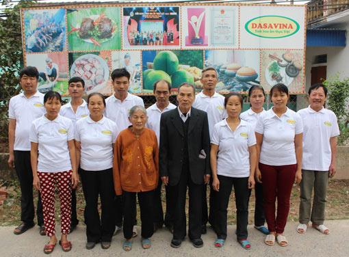 Đội ngũ nghệ nhân của Công ty Đặc Sản Việt Nam