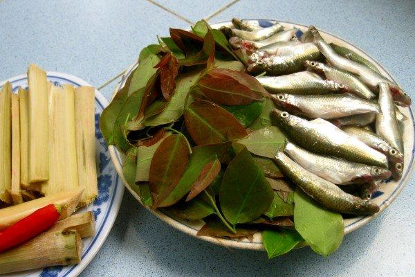 Nguyên liệu làm món cá linh kho mía vừa lạ vừa ngon miệng