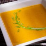 Cách làm súp bí đỏ cá hồi ngon tuyệt