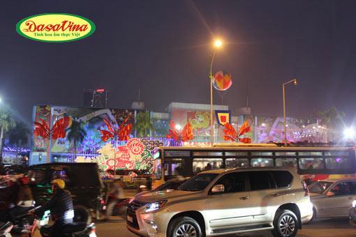 Quảng Trường Triển lãm Giảng Võ nơi diễn ra hội chợ Xuân 3025