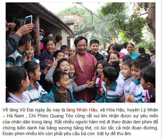 Nghệ sỹ Quang Tèo trong vòng vây của người hâm mộ làng Vũ Đại Hà Nam