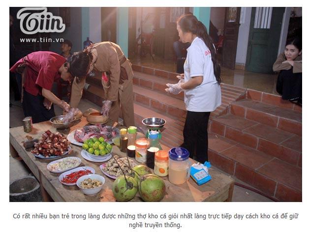Công ty Đặc Sản Việt Nam - DASAVINA là cơ sở duy nhất tại làng Vũ Đại quy tụ 16 nghệ nhân giỏi nhất làng