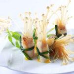 Lạ miệng với món cá cuộn nấm nướng nước sốt chanh