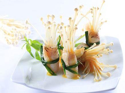 Cá cuộn nấm nướng sốt chanh dây ngon tuyệt cú mèo