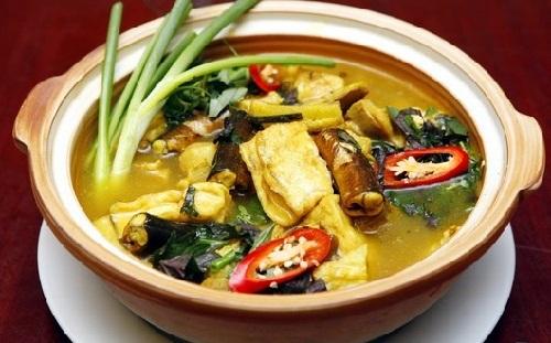Món lươn om chuối dân giã miền quê dans Món Việt luon-om-chuoi-dau-e1428371511986