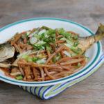 Đưa cơm với món cá chim rim măng ngon, lạ miệng