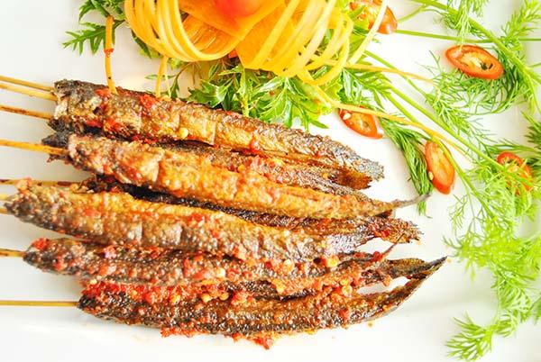 Cá kèo chiên giòn/ cá kèo nướng muối ớt đều là những món ăn vô cùng hấp dẫn