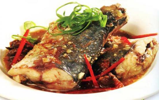 Món cá nục kho tiêu ngon đậm đà