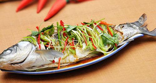 Cá hấp- một món ăn dinh dưỡng không cần dầu mỡ