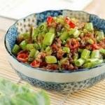 Đổi thực đơn với món rau muống xào thịt tuyệt ngon