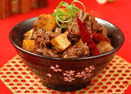 Thịt kho măng ngon lạ miệng đưa cơm
