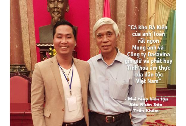 Phó Tổng biên tập báo Nhân Dân Trần Khâm rất tâm đắc với món cá kho của công ty Dasavina