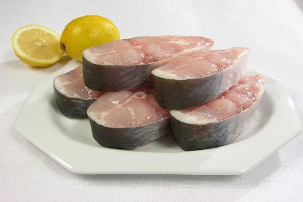 Chọn cá tươi ngon làm món cá kho khoai tây