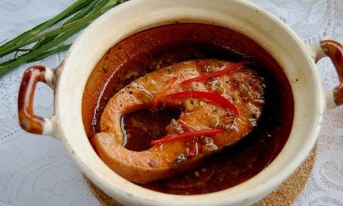 Cá kho ớt bột vị cay cho bữa cơm hấp dẫn