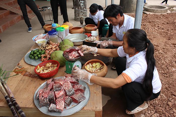 Vu Dai Village Braised fish with 16  ingredients