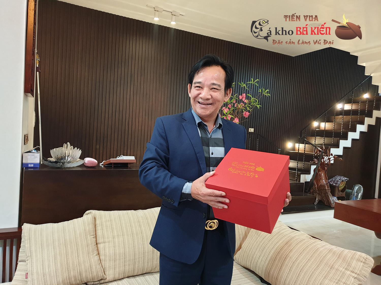 Nghệ sĩ hài Quang Tèo rất ấn tượng với niêu Cá kho Tiến Vua